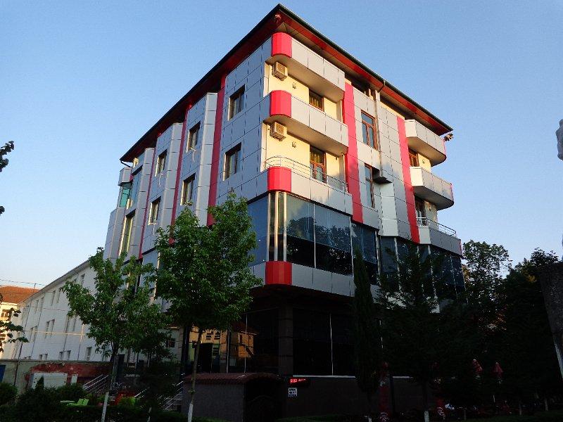 http://www.hotelpiazza.al/images/gallery/piazza-hotel/DSC00678.JPG