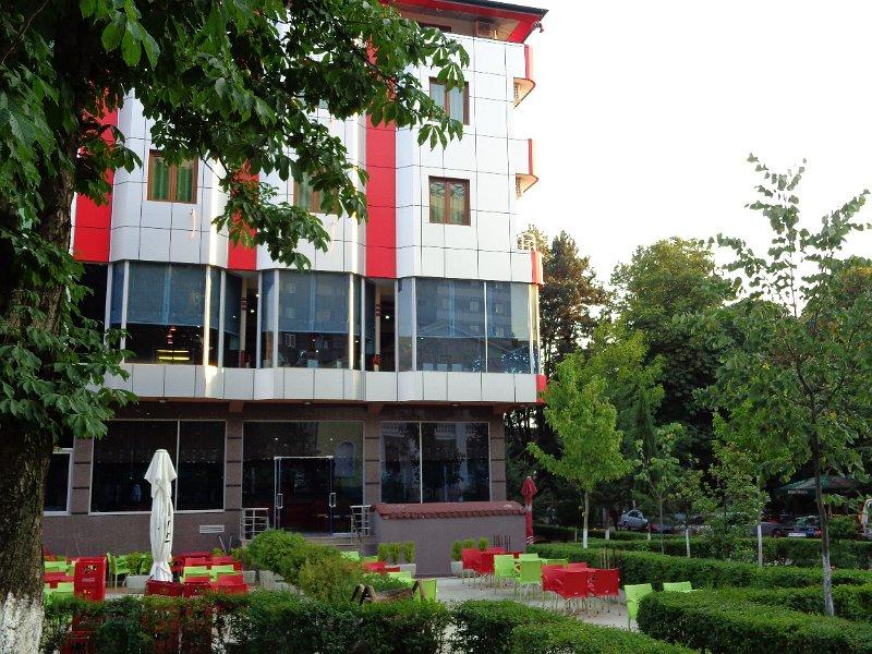 http://www.hotelpiazza.al/images/gallery/piazza-hotel/DSC00682.JPG